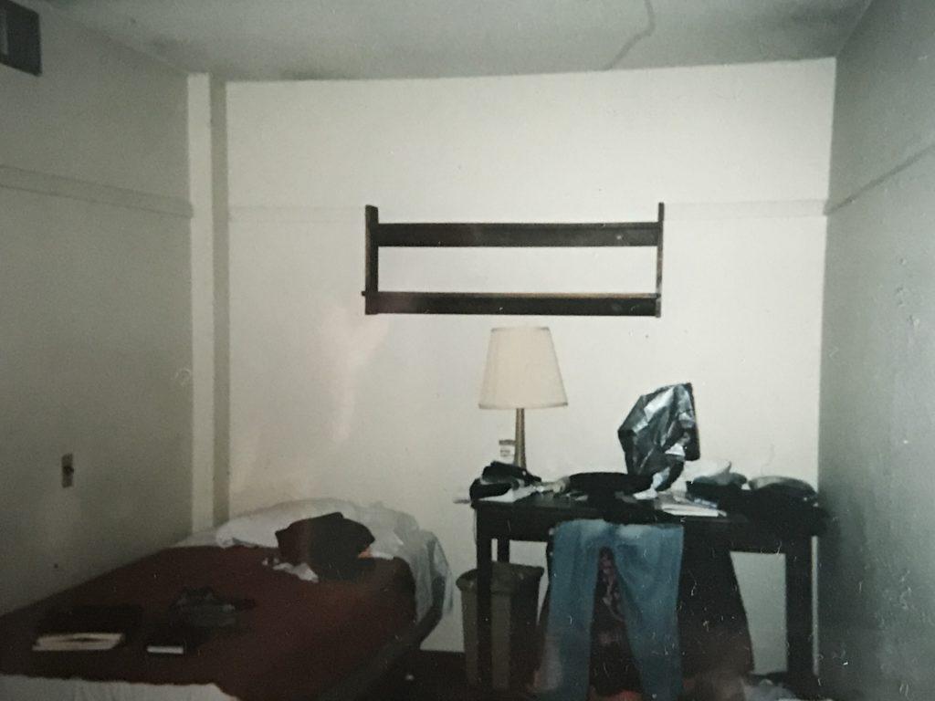 カレッジ・インの室内